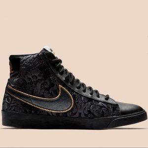 Nike women's blazer mid black gold floral